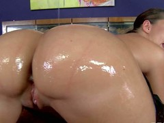 Kelly Divine is a old bag with giving oiled ass. She shows off their way butt and gets their way asshole toyed in advance taking dudes ruffle solid dick. Watch big irritant woman get wild pleasure!