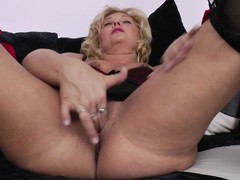 Horny golden-haired aged slut grinding on put emphasize couch