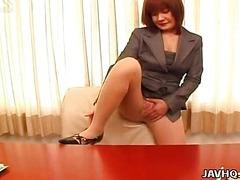 Sexy office lady Anna Yumisaki masturbating