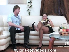 Gwendolen&Arthur horny nylon feet action