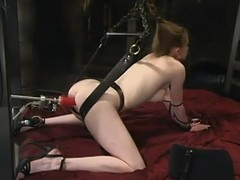Mini blond gong Nicole Scott gets naked for a fucking machine