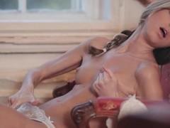 Doris Ivy models gorgeous bra plus panties